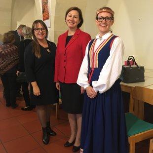 No kreisās: Karīna Ziegler, VE Inga Skujiņa, Laura Putāne.